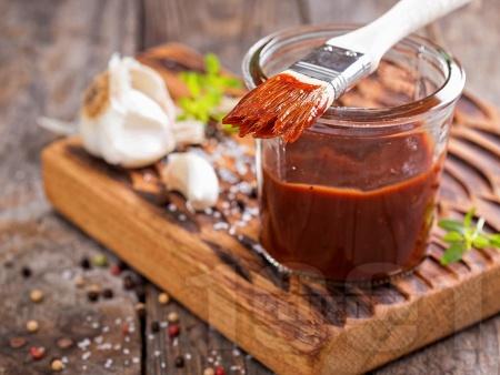 Домашен барбекю сос с бърбън - снимка на рецептата